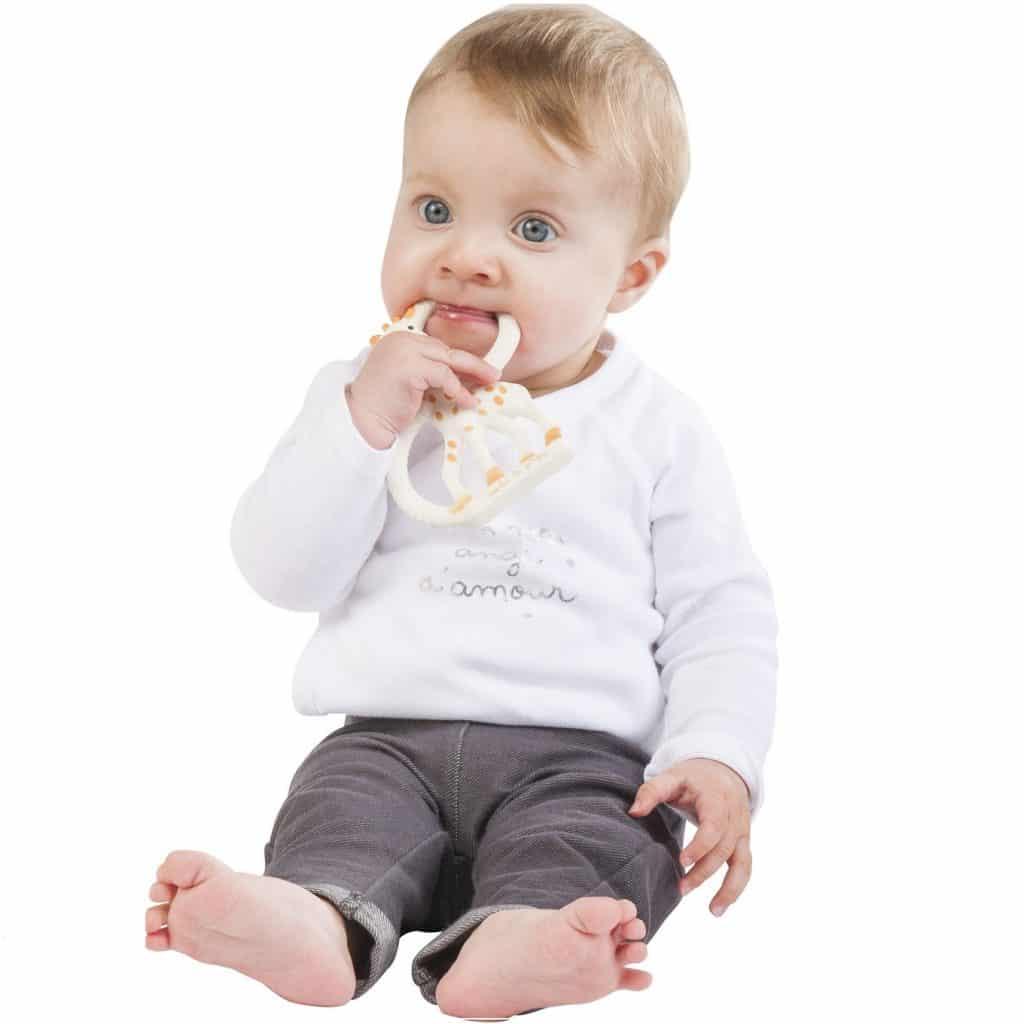 žirafa_sophie__prsten_zubiće_igračke